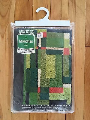 Aunt Lydia's MONDRIAN No. 303 - Punch Needle Rug PATTERN - 24x36 - New Old Stock