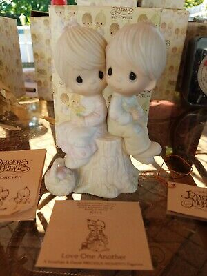 Precious Moments E-1376 Love One Another Porcelain Figurine 1978 w Box & Tags