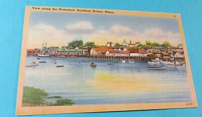 Old Postcard-[1944]<BOOTHBAY HARBOR, MAINE>{VIEW ALONG THE WATERFRONT}