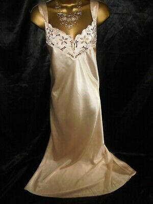 Stunning vtg peach satin  gown  negligee beautiful   cd/tv 16/18  42 chst