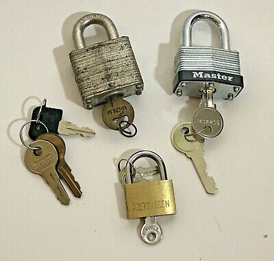 Lot of 3 Padlocks Metrosen Milwaukee Lock & Master Lock plus 4 Misc Keys