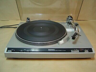 Technics SL 220 Turntable. Strobe and Pitch Control. Vintage Quality