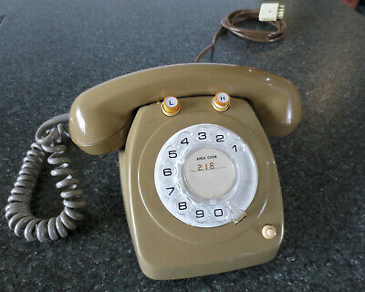 Collectable 1970's Telecom dial telephone Model 8221 (2 line phone) in VGC