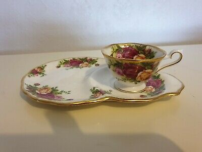 Royal Albert Old Country Roses Tennis / TV Avon Cup & Saucer Set 1962 Stamp 1st
