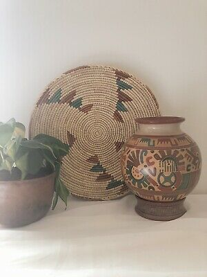 Vintage Handmade Traditional Nicaraguan Etched Pottery Vase with Stand