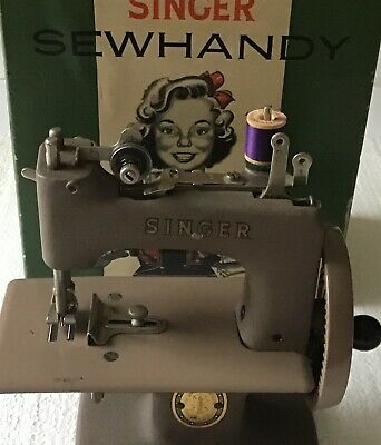 Vintage 1950's Singer Sewhandy Modlel No. 20 Childs Real Sewing Machine in Box