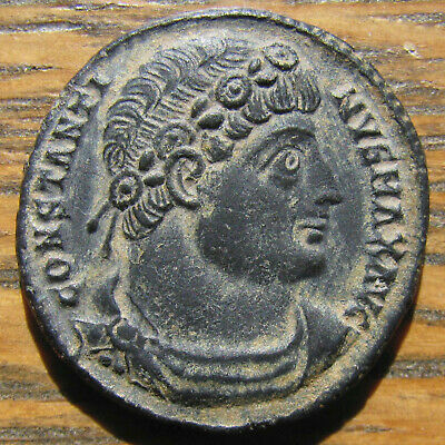 Choice Constantine the Great GLORIA EXERCITVS AE-3 from Antioch