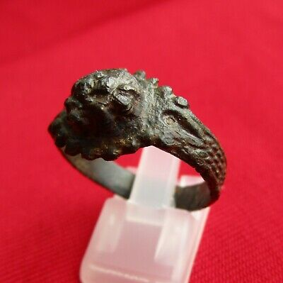 Ancient Roman massive engraved BRONZE RING    . IV century