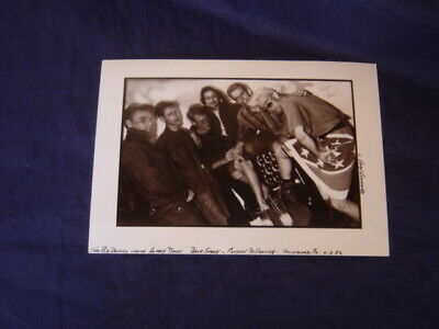 Red Devils 1982 Gary Leonard Autographed 7X5 Glossy Backstage B/W Photo La Music