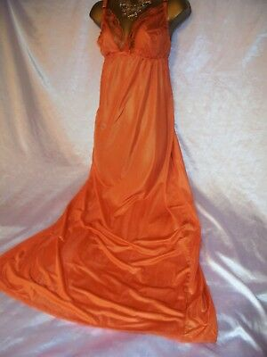 Stunning  silky vtg bra slip  nightie slip  gown  cd/tv 44 chest peach