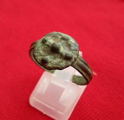 Ancient Roman bronze ring from IV century - SHIELD PRESENTATION