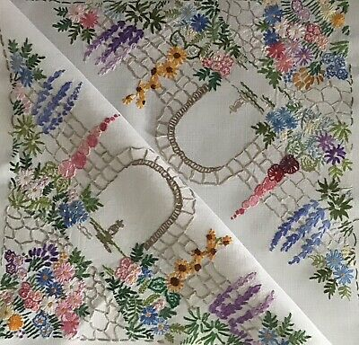 Stunning Vintage Linen Hand Embroidered Tablecloth ~ Country Cottage Gardens
