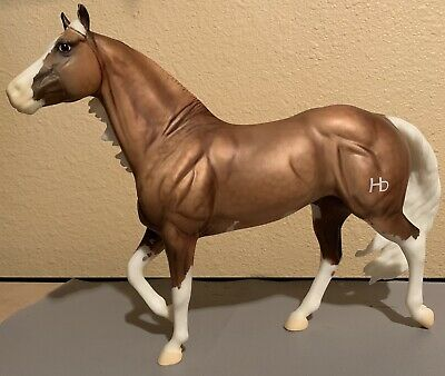 Big Chex to Cash #1357 - Breyer Traditional Model Horse - Smart Chic Olena Mold