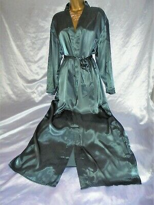 Stunning   silky satin /robe  negligee beautiful steel grey   cd/tv 48 chest