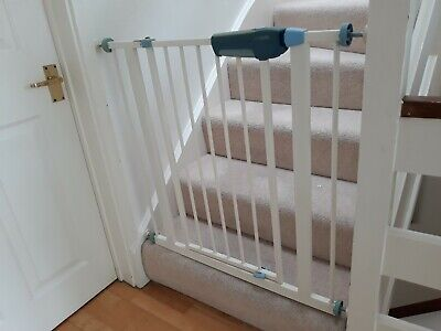 Lindam Baby Safety Stair Gate Easy Fit Premium Close Child Toddler Pet 75cm