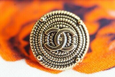 Chanel Button 1 pieces  size Large  1 inch or 24 mm btonze logo CC