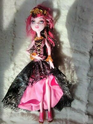 Monster high doll ,Draculaura 13 wishes