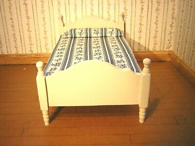 1/12th Dollshouse Miniature Hand Painted Wooden Bed with Mattress
