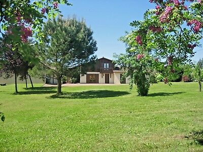 Beautiful French Villa with Private Heated Pool in Charente/Dordogne area France
