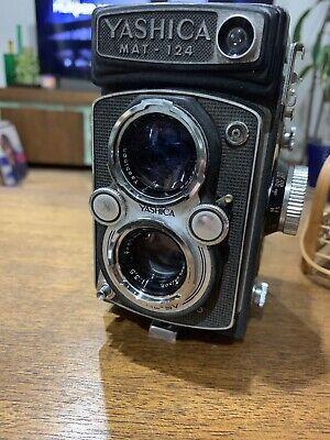 YASHICA MAT-124 Tlr CAMERA Made In Japan