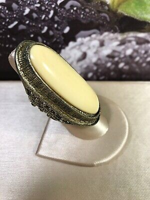 Huge Exotic Vintage Brass Gold Tone Metal Cream Ivory Lucite Ring Size 10-10.5