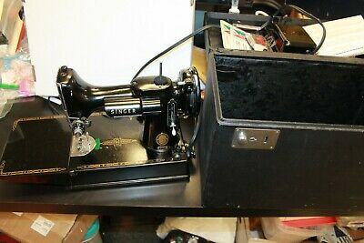 VTG Singer Featherweight 3-120 Portable Sewing Machine, Foot Pedal case needles