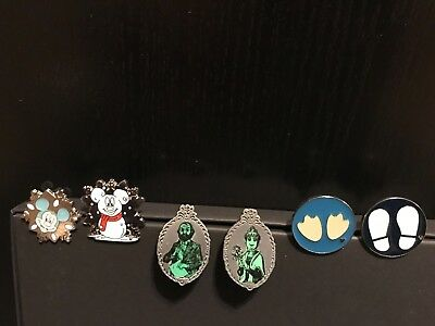 6 Disney Trading Pins - 2 Christmas, 2 Haunted Mansion & 2 Footprints
