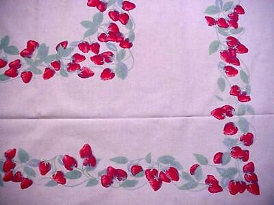 Vintage STRAWBERRY Classic Cottage Printed LG Tablecloth SUMMER FRUIT Berries