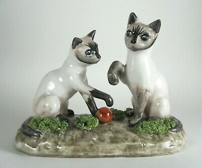 Unusual Vintage Cat Kitten Ornament Siamese Spaghetti Pottery Playing With Ball