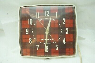 VINTAGE GE KITCHEN CLOCK 1940s PLAID RED BLACK ELECTRIC MODEL 2H30 WALL WORKS