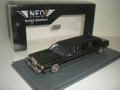 Lincoln Town Car Limousine Neo Scale Models 1/43