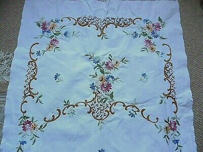 Vintage Linen Embroidered Table Runner/Cloth