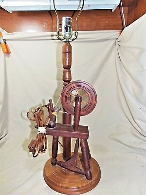 """Vintage 1970s Wooden Spinning Wheel Table Lamp Arts & Crafts VGC 29"""" Tall 7638"""