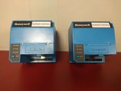 NO BOX HONEYWELL BURNER CONTROL RM7823A1016 (Flame Switch) Sold Individually