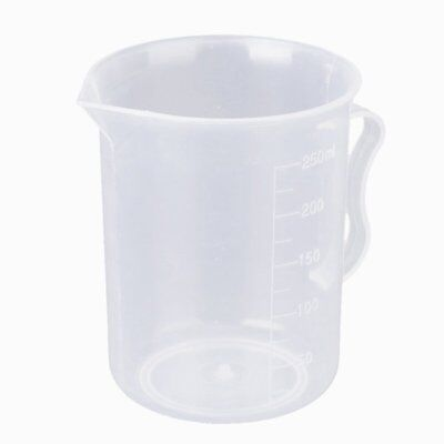 3X(250 ml transparent plastic measuring cup with handle N3M2