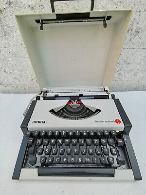 Vintage 1970s Olympia Traveller De Luxe S Portable Typewriter & Hard Carry Case