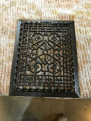 J 30 antique cast-iron heat grate Face 10.25 x 13 3/16