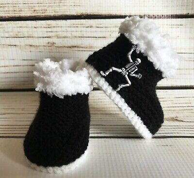 1deb481f33da9 BABY GIRL GOTH Emo Punk Hand Knitted Booties/Boots Hello Kitty Black ...