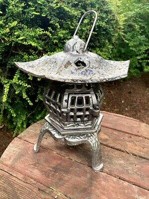 Vintage Cast Iron Pagoda Lantern Lamp Candle Holder three hearts on roof 11""