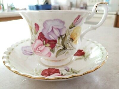 Royal Albert Flowers Of Month Series April Sweet Pea Bone Cup Saucer Plate UK