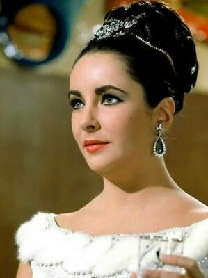 ELIZABETH TAYLOR COLOR MOVIE PHOTO from the 1963 movie THE V.I.P.s