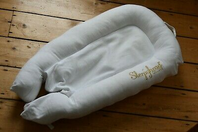 Sleepyhead Deluxe portable baby bed 0 to 8 months good condition