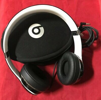 7cf176467cbe Beats by Dr. Dre Solo2 Wired OnEar Headphones Luxe Edition Black LOOKS NEW  CLEAN
