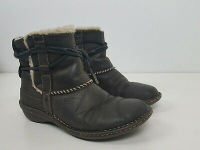 531f847eede UGG AUSTRALIA SIZE 7 Med Women's Cove Ankle Boots 5136 In Box With ...