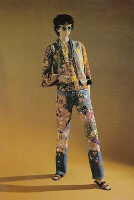 AUSTRALIAN ART POSTCARD - GROOVY 70s OUTFIT National Gallery of Victoria