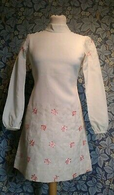 Vintage 1960s white and pink mini shift Dress original mod scooter Gogo soul