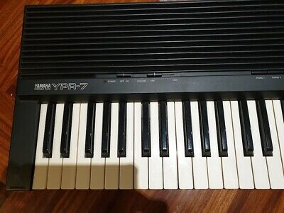 Yamaha YPR-7 portable piano - 61 Keys - excellent condition with stand and stool