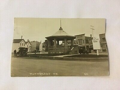 Vintage Real Photo Postcard RPPC Mukwonago Wis Town Square 2 Cent Stamp