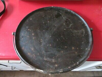 """""""No name"""" No.12 Cast Iron Griddle W/ Bail Handle ,Smoke ring. 12"""" in."""