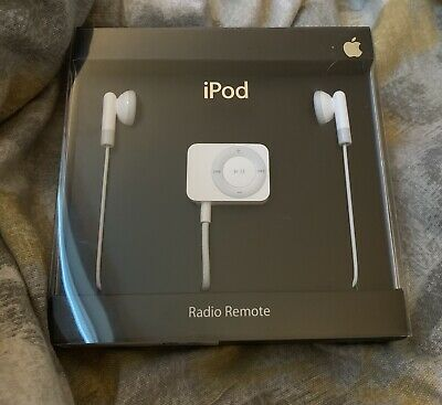 Apple iPod FM Radio Remote with Earbuds MA070G/B Brand New In Box RARE
